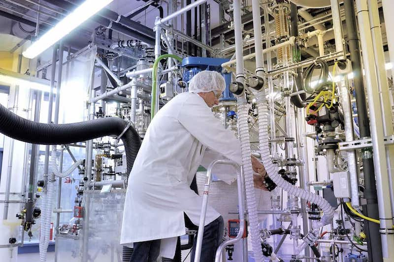 Химия и охрана труда: проблемы безопасности на химических производствах России
