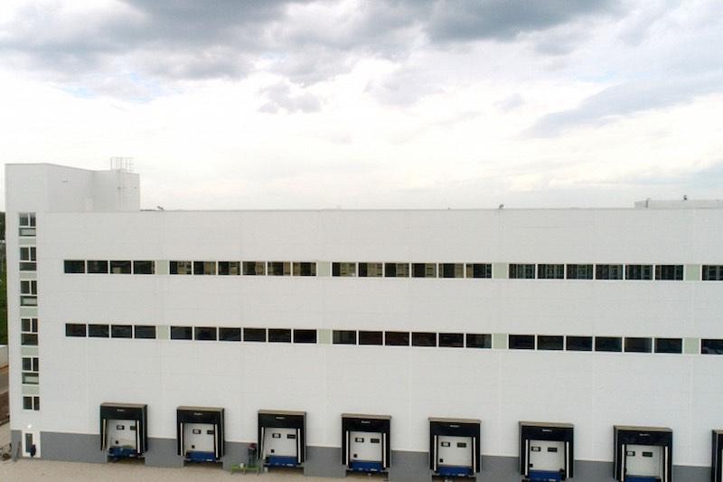 В Подмосковье вводится в эксплуатацию складской комплекс для хранения спецодежды