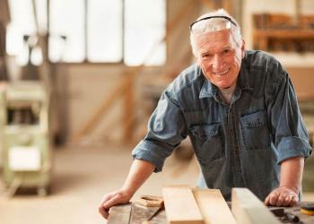 Возраст и СИЗ: повлечет ли новый «горизонт» выхода на пенсию рост спроса на адаптированные средства защиты?