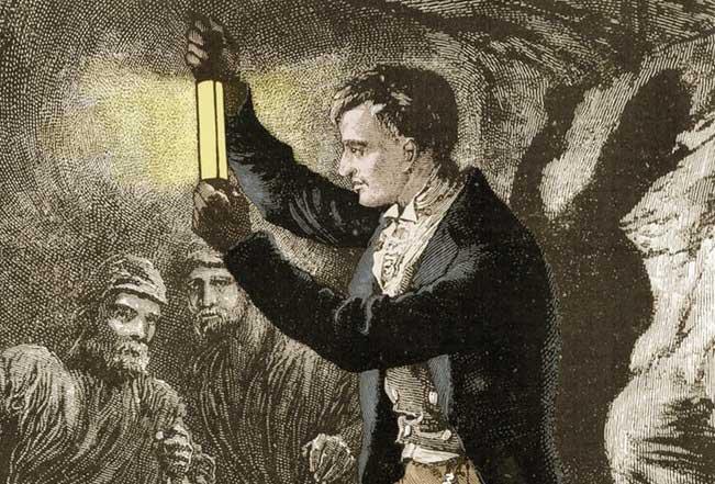 Сэр Хамфри Дэви (1778-1829 гг.) тестирует в шахте прототип своей лампы безопасности