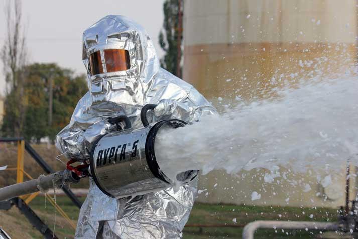 МЧС обновит форму пожарных