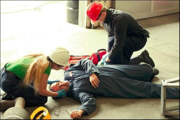 Правильное оказание первой помощи повышает процент выживших при несчастных случаях в несколько раз