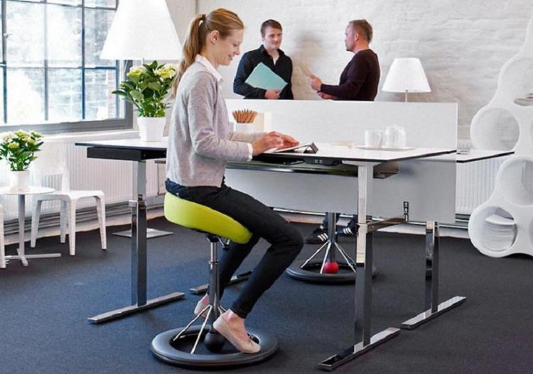 Back App – стулья, которые не дадут посидеть спокойно