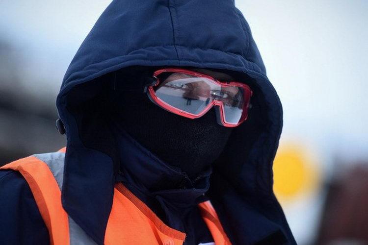 Железнодорожники-ниндзя: путейцы «Норникеля» переодеваются в зимнюю одежду
