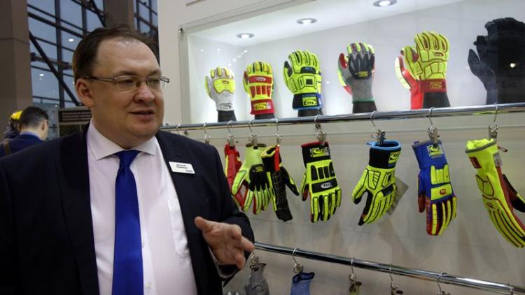 Виталий Румянцев: «40% зарегистрированных производственных травм в мире приходится на руки»