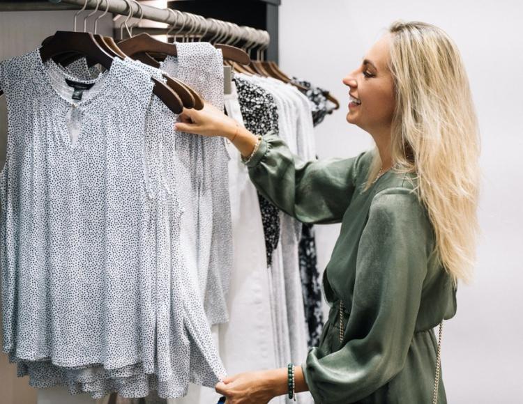 Маркировка одежды – как ее оценивают в Омске