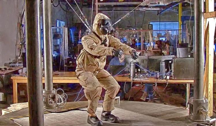 Роботы — на службе охраны труда!
