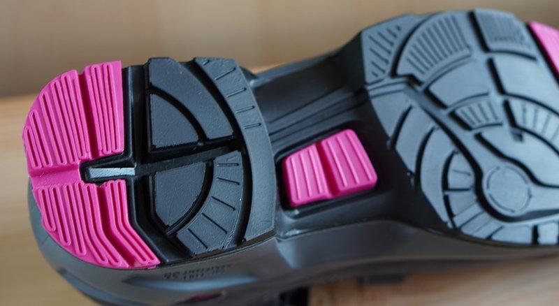 Жара, июнь: летние защитные сандалии Uvex 1 леди S1
