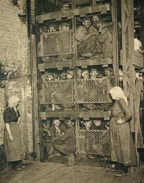 Франц Кафка - создатель первой рабочей каски в Европе?