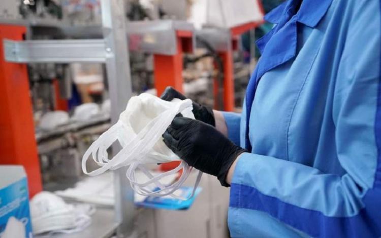 В России изобрели материал для масок, мгновенно уничтожающий вирусы